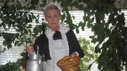 Bild för Ett odjur till hembiträde, 2018-04-28, Saga Teaterbiografen