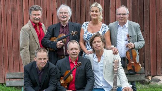 Bild för Tina Ahlin & Orsa Spelmän, 2018-07-15, Axmar Hytta, Axmar