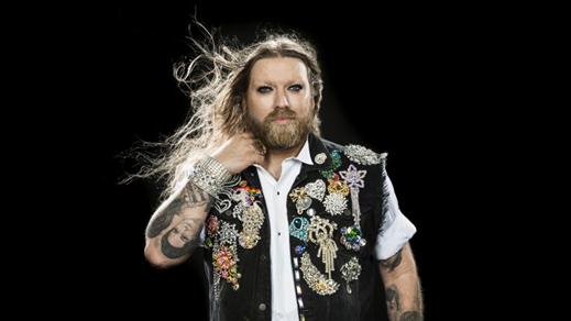 Bild för Rickard Söderberg är Gaytenor, 2018-04-04, Motala CC Teatersalongen