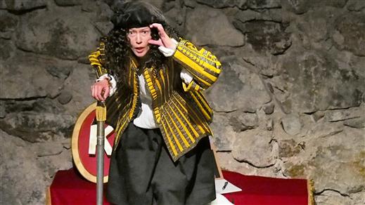Bild för Drottningen Dansar barnföreställning 5-12 år, 2019-04-06, Danderydsgården