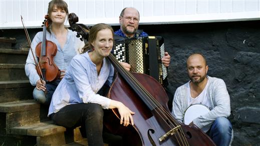 Bild för Riksteatern - Hillevi, 2020-10-21, Essegården onum
