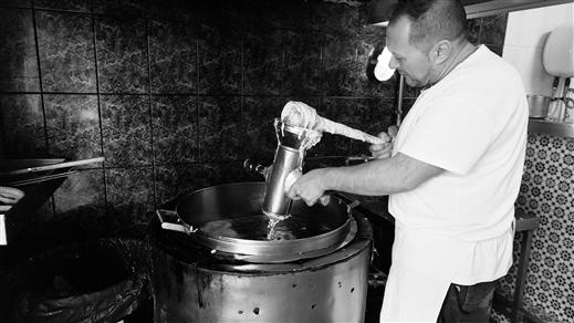 Bild för Hållkäftenlunch #8 – Friterat och Orange, 2019-04-26, Wine Mechanics