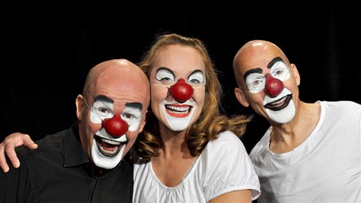 Bild för 123 SCHTUNK – VÄRLDEN ÄR EN SCEN, 2020-03-06, Landskrona Teater