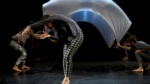 Bild för Dansföreställning: Shapes, 2019-09-16, Kulturhuset Finspång, Stora Salongen