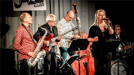 Bild för Lena Dahlström med October Jazz Orchestra, 2019-03-08, Tingsgården Restaurang & Vinkällare