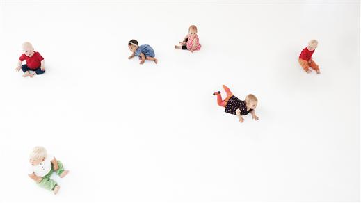 Bild för Rundgång - ett danseko för de allra yngsta kl 11, 2019-02-21, Teater Martin Mutter