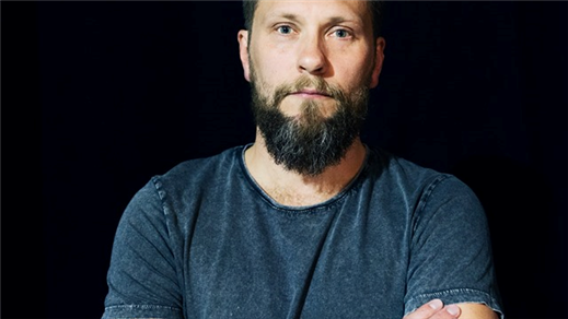 Bild för Stand Up med Magnus Betnér+Support, 2020-09-10, Sagateatern