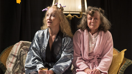 Bild för Två systrar och en begravning, 2018-02-12, Motala CC Teatersalongen