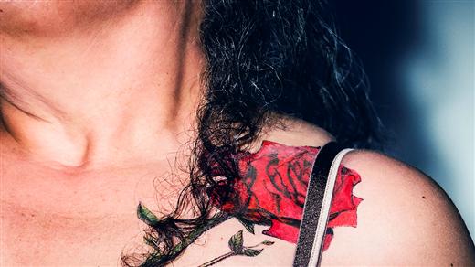 Bild för Den tatuerade änkan, 2021-11-19, Christinasalen, Nolia City Konferens