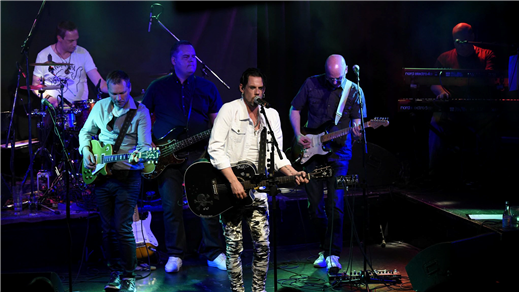 Bild för Posörerna spelar Ulf Lundell, 2018-12-07, Porter Pelle