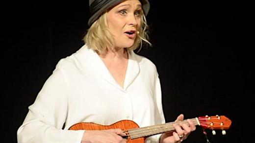 Bild för Som ett jävla solsken, 2020-11-03, Förslövs bygdegårds Teaterscen