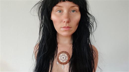 Bild för Är jag er urfolkskvinna?, 2021-10-18, Sara Kulturhus Scen 4
