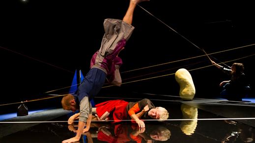 Bild för Barnsöndag - Friktion, 2020-01-26, Teater Sláva, Tonsalen