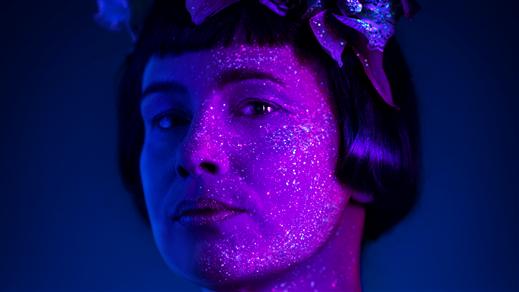 Bild för Nakna som foster och gudar, 2019-10-14, Teater Borgen